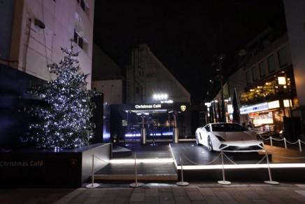 Lamborghini announced V10 Gallardo's departure and Christmas Cafe opening