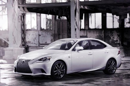 Aggressive elegance: first Look at the 2014 Lexus IS