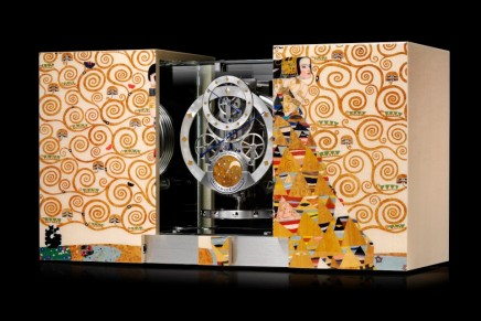 A glimpse into eternity with Atmos Marqueterie Tribute to Gustav Klimt