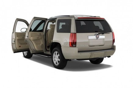 Cadillac Escalade, Mercedes-Benz E-Class, and Lincoln MKT among 2013 Best Cars for Families award winners