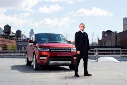 Bond star Daniel Craig delivers the 2013 Range Rover Sport