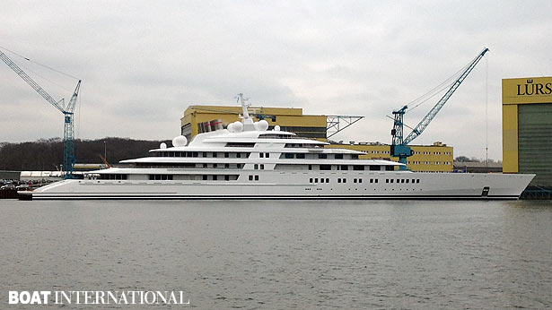 Azzam the world s largest private yacht revealed for Largest private boat