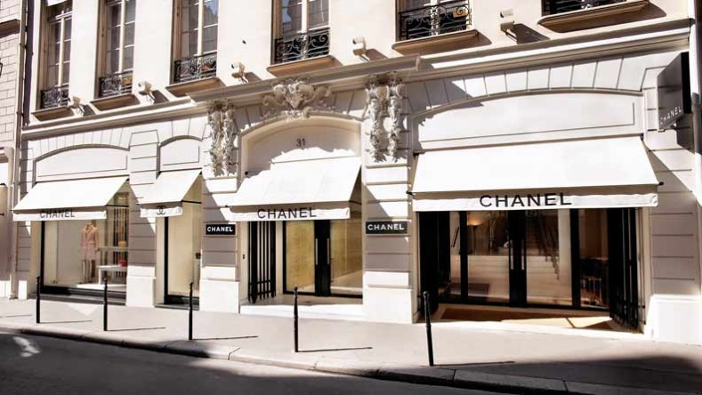 First Chanel temporary beauty shop opened in Paris