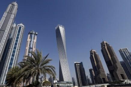 'Spiderman' set sights on Dubai's Twisted Tower