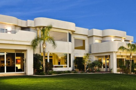 Wealthy younger buyers are driving the luxury real estate market: Coldwell