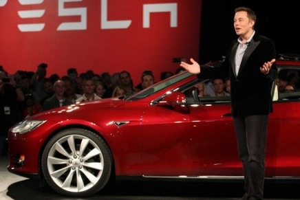 Elon Musk: oil campaign against electric cars is like big tobacco lobbying