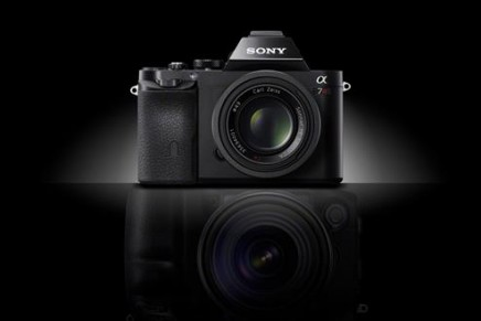 World's smallest, lightest full-frame interchangeable lens cameras
