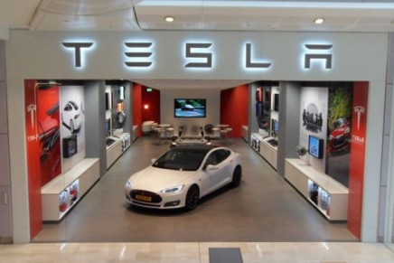 Tesla to have the entire United Kingdom covered with supercharger by end of next year