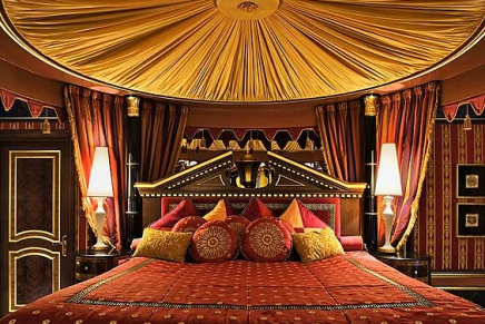 Staying at the world's 10 most extravagant hotel suites