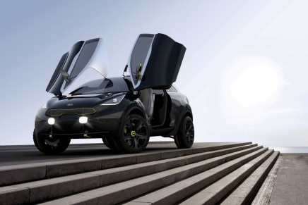 Niro shows off Kia's ambitious vision of a lifestyle city Car at 2014 Chicago Auto Show