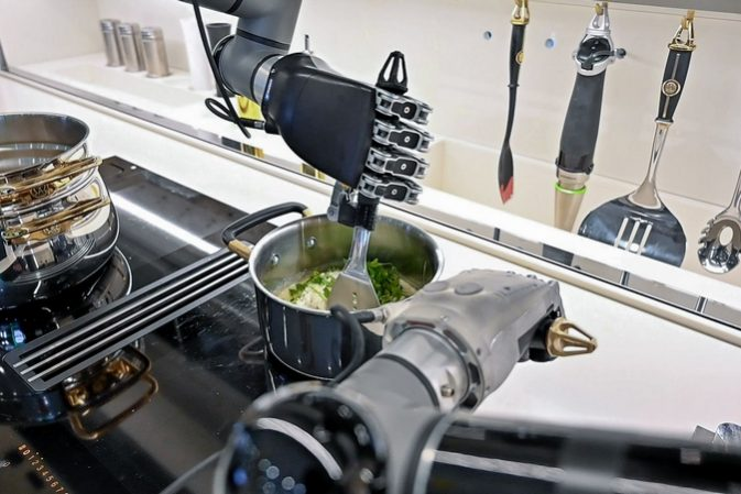 Most advanced domestic robot ever – cooks from scratch and even cleans up afterwards