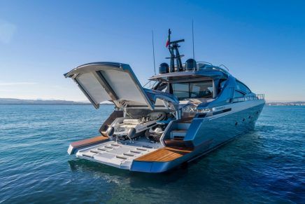 Motor Boats Awards 2021: The sport-fly Pershing 8X triumphs in the Custom yachts category