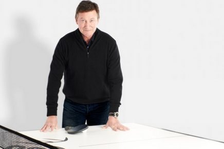 Table tennis therapy: Wayne Gretzky Stealth Ping Pong Table in honor of the Hall of Famer