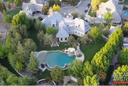 This French chateau in Santa Clara, Utah offers the most exquisite features and amenities conceivable