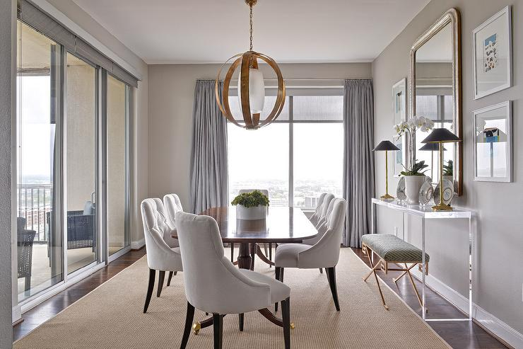 5 Best Interior Design Ideas For a Luxurious Home-5. Vivid Velvet Dining Room