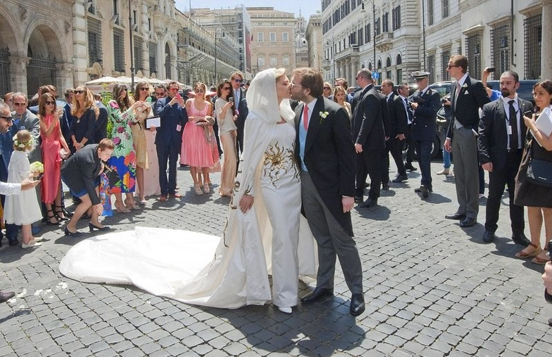 5 of the most luxurious wedding dresses in the world - Lebanese jewellery designer Sophie Ghanem married billionaire heir Joseph Getty in Rome