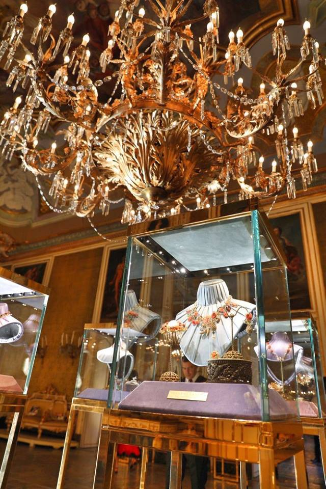 A sumptuous atmosphere for special and magnificent jewelry at Alta Gioielleria Donna