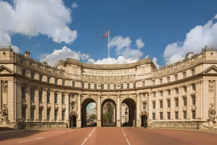 The iconic London's Admiralty Arch will be turned into a Waldorf Astoria Hotel