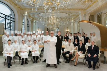 """Unique, memorable, and emotional experiences"" brought ""Alain Ducasse au Plaza Athénée"" and ""Le Cinq"" 3 stars in the Michelin Guide France 2016"