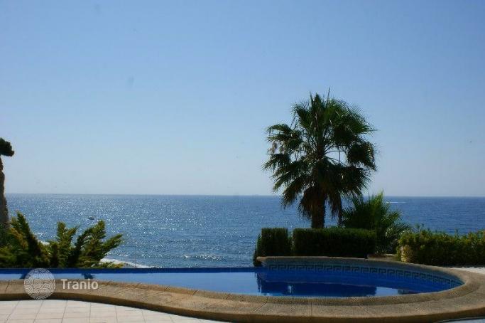 Alicante villa with private beach access