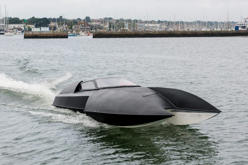 Alpha-Centauri luxury hydroplane