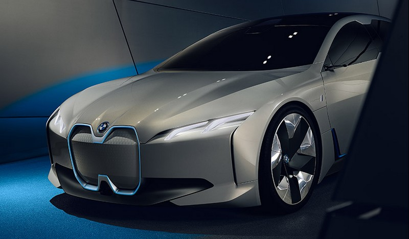 An amalgamation of the BMW i3 and BMW i8, the BMW i Vision Dynamics showcases how BMW is envisaging the future of electric mobility