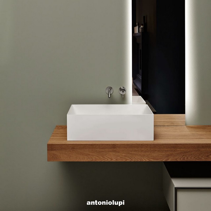 Antonio Lupi Stratos is a collection of washbasins designed by Mario Ferrarini