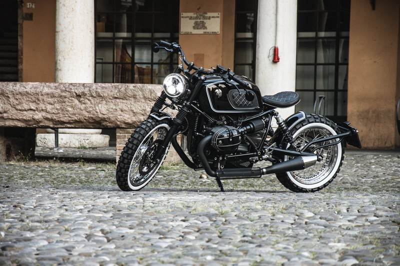 Ares Design for the BMW R nineT motorcycle details -on the street