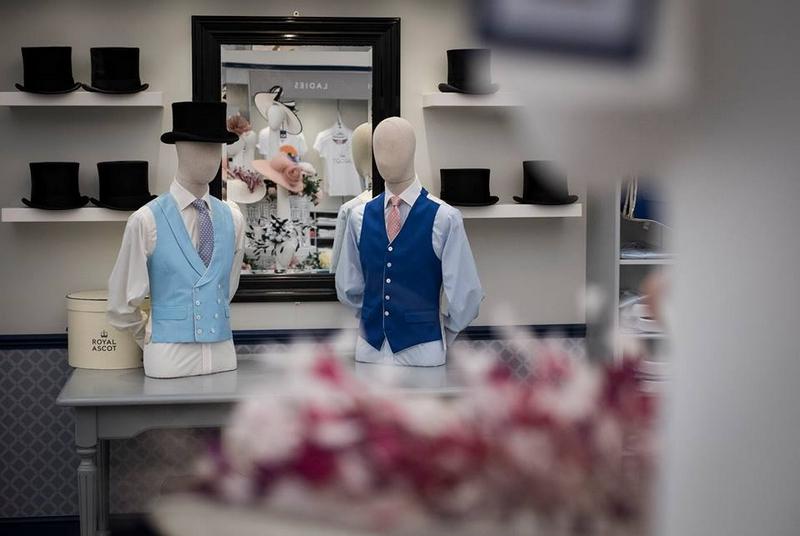 Ascot Racecourse gallery-Hats