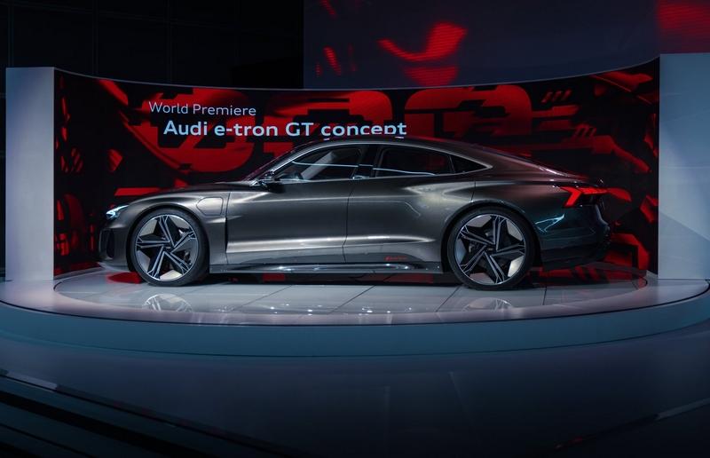 Audi e-tron GT concept show car-2018-