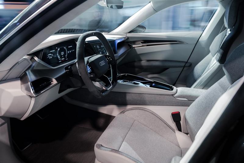 Audi e-tron GT concept show car-2018-01