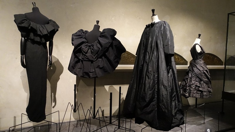 Balenciaga, working in black-Balenciaga, l'oeuvre au noir exhibition at musee bourdelle paris2017-