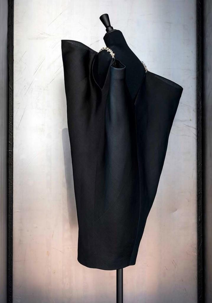 Balenciaga, working in black-Balenciaga, l'oeuvre au noir exhibition - musee bourdelle paris