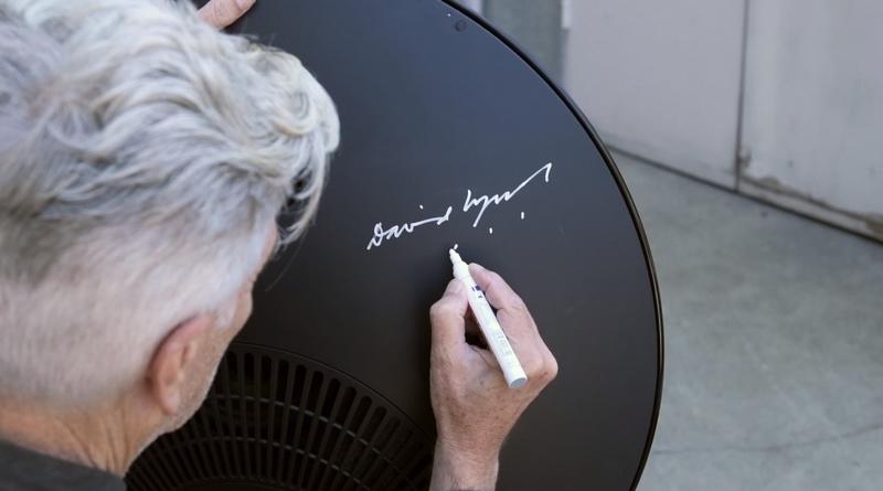 Bang & Olufsen. Artwork by David Lynch - autograph
