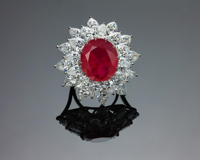 Bayco The Imperial Colloction - The Grand Mogok Ruby 2017