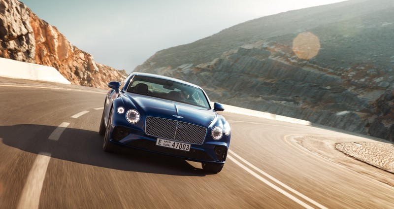 Bentley Continental GT_Dynamic on the road