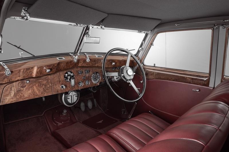 Bentley Corniche 2019-resurrecting an icon