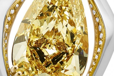 Jewellery Arabia Show 2019: Bentley reveals spectacular Centenary pendant