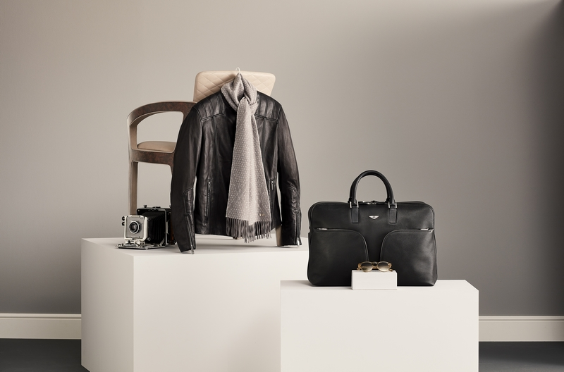 Bentley HERO CLASSIC LEATHER CHAIR - Centenary - a Collection of Extraordinary Statement Pieces marking 100 years of Bentley Motors