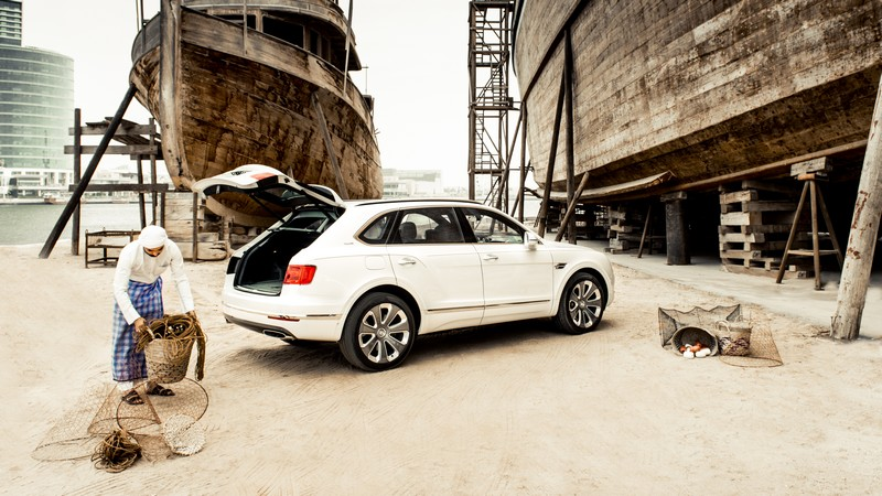 Bentley Pearl of the Gulf car details - 2019 Bentley Bentayga Pearl of the Gulf,