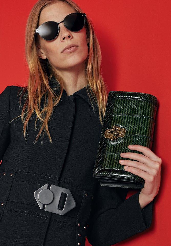 Bold hues and geometric graphics define the bags of Bottega Veneta Cruise 2018 collection-bags-