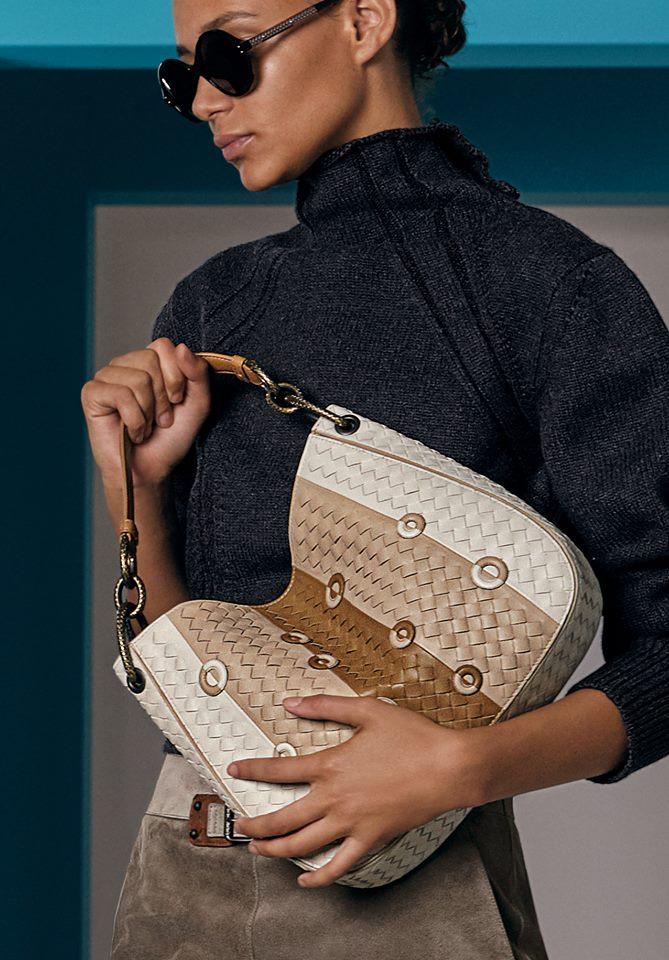 Bold hues and geometric graphics define the bags of Bottega Veneta Cruise 2018 collection-bags-04