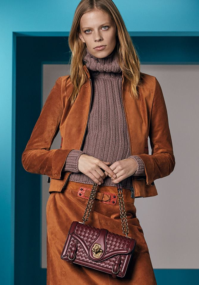 Bold hues and geometric graphics define the bags of Bottega Veneta Cruise 2018 collection-bags-05