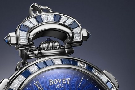 Bovet Amadéo Fleurier 44 Notre Dame. Transform it into a pocket watch or a table clock without the use of a single tool