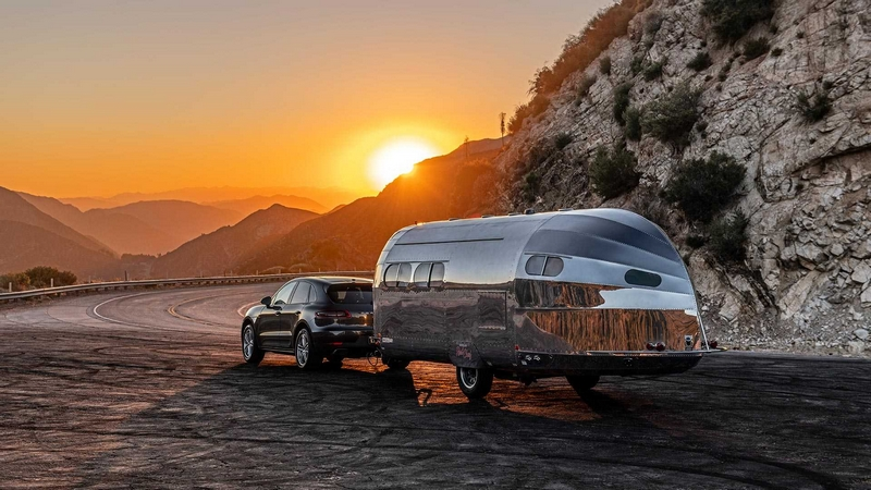Bowlus Road Chief luxury trailer inspired by racing yachts-2019