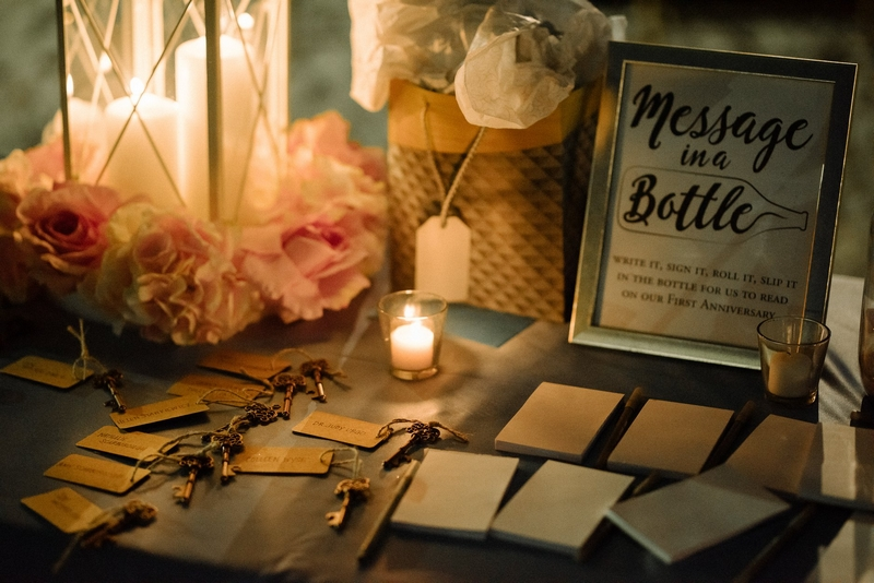 Boyko Studio Wedding Photographer - message in a bottle