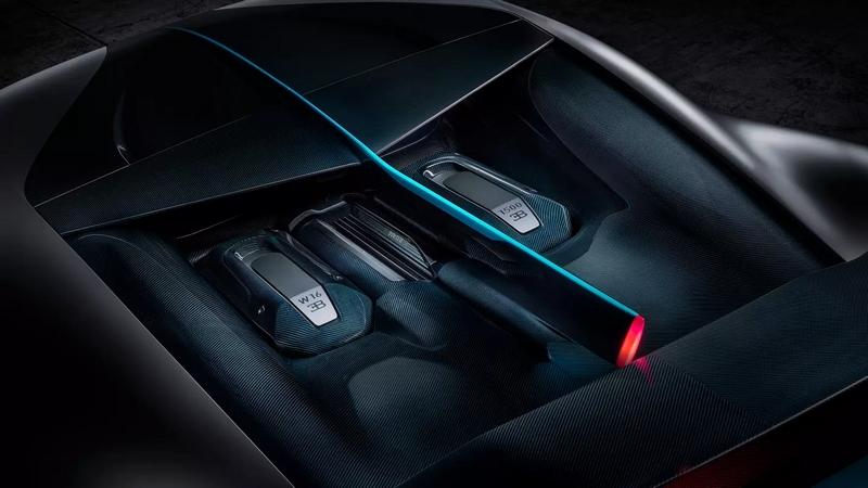 Bugatti DIvo details