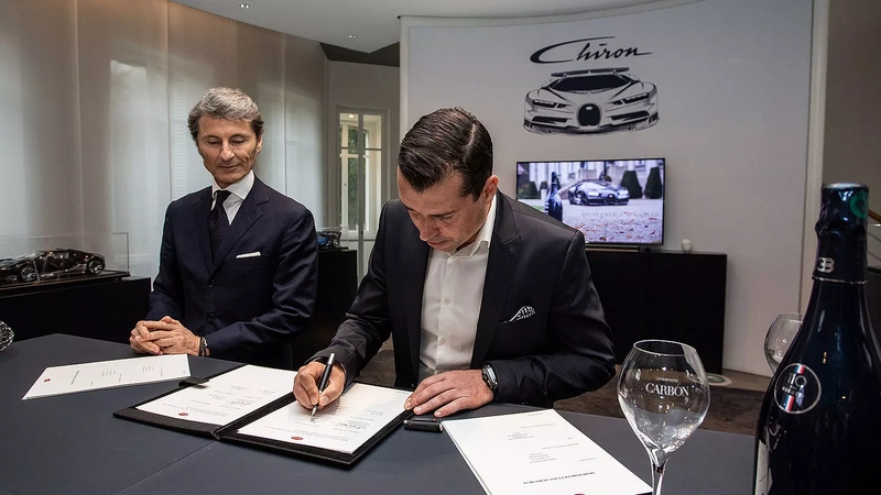 Bugatti x Champagne Carbon-partnership signing