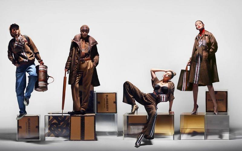 Burberry - Gigi Hadid showcases the new Burberry Monogram collection 2019