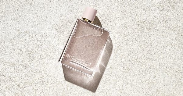Burberry Introduces Her - The New Fragrance for Women-2018-the bottle